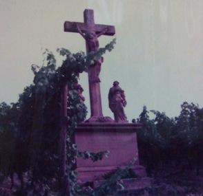 路傍のキリスト像.JPG
